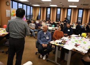 それぞれが考える協同組合の姿について発表する参加者
